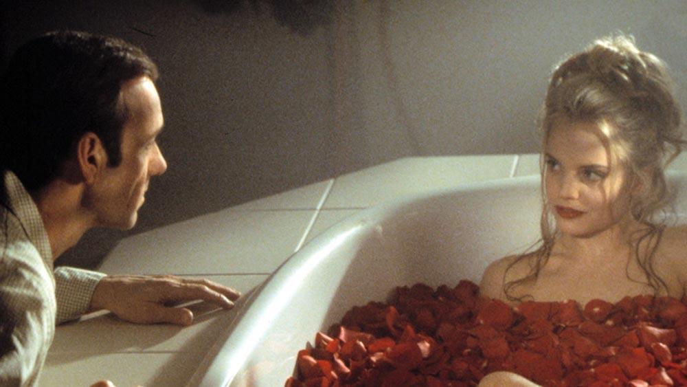 """Лестър (Кевин Спейси) и Анжела (Мина Сувари) в """"Американски прелести"""""""